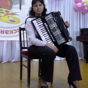 Серебреникова Оксана Николаевна председатель Профкома- концертмейстер отделения хореографии